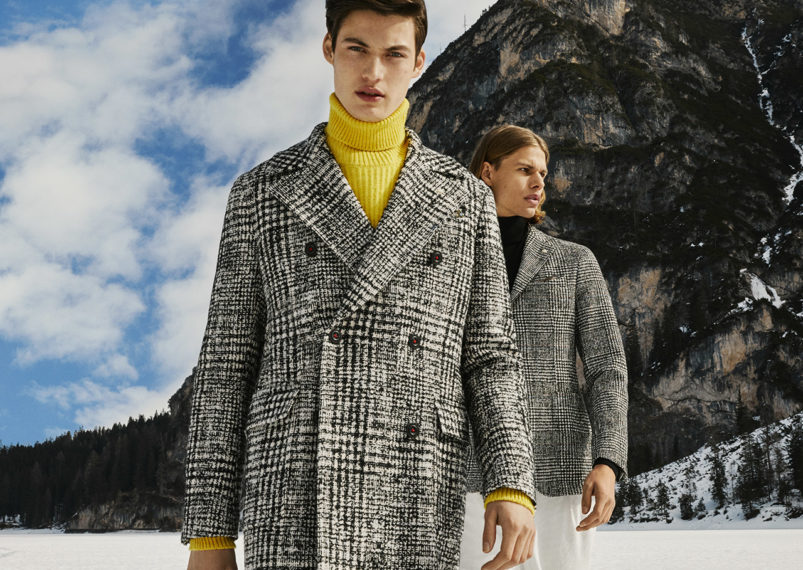 Abrigo Cuadros blanco y negro de la marca Manuel Ritz